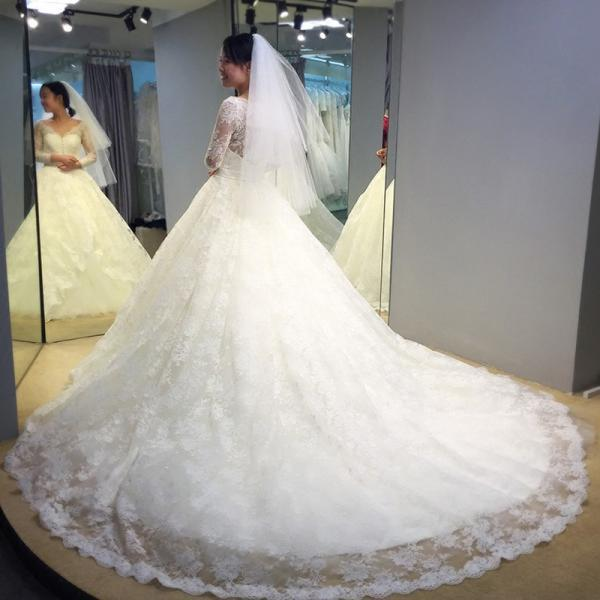 XW131 2018 spring Newest elegant wedding dress v -neck design with lace appliqued,long sleeve wedding dress,wedding dress,wedding dress with long train