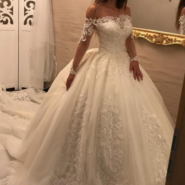 Luxurious Long Sleeves Bridal Dresses with Boat Beck,Lace Wedding Dresses Ball Gowns,Princess Boho Wedding Dress,Off the Shoulder Ball Gown Wedding Dress with Long Sleeves